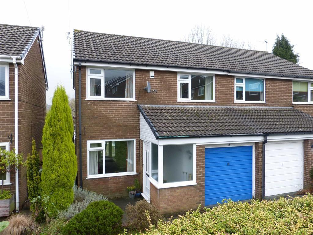 3 Bedrooms Semi Detached House for sale in Kinder Close, Glossop