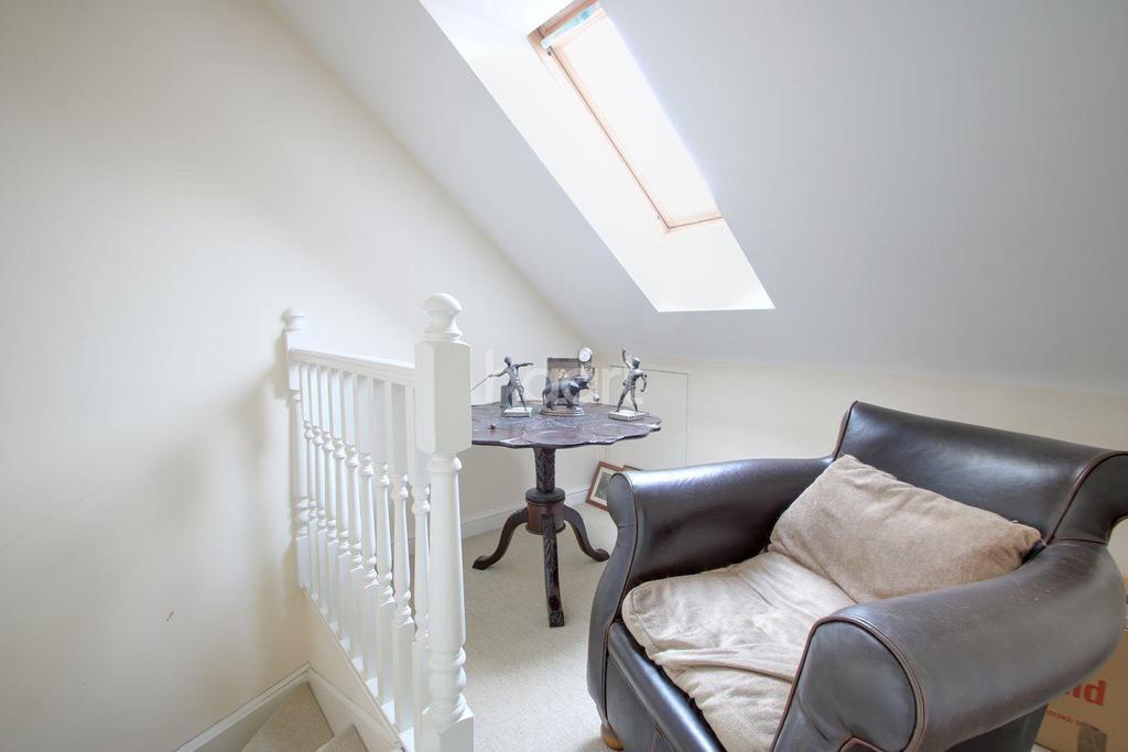 4 Bedrooms Detached House for sale in Monkston Park, Milton Keynes
