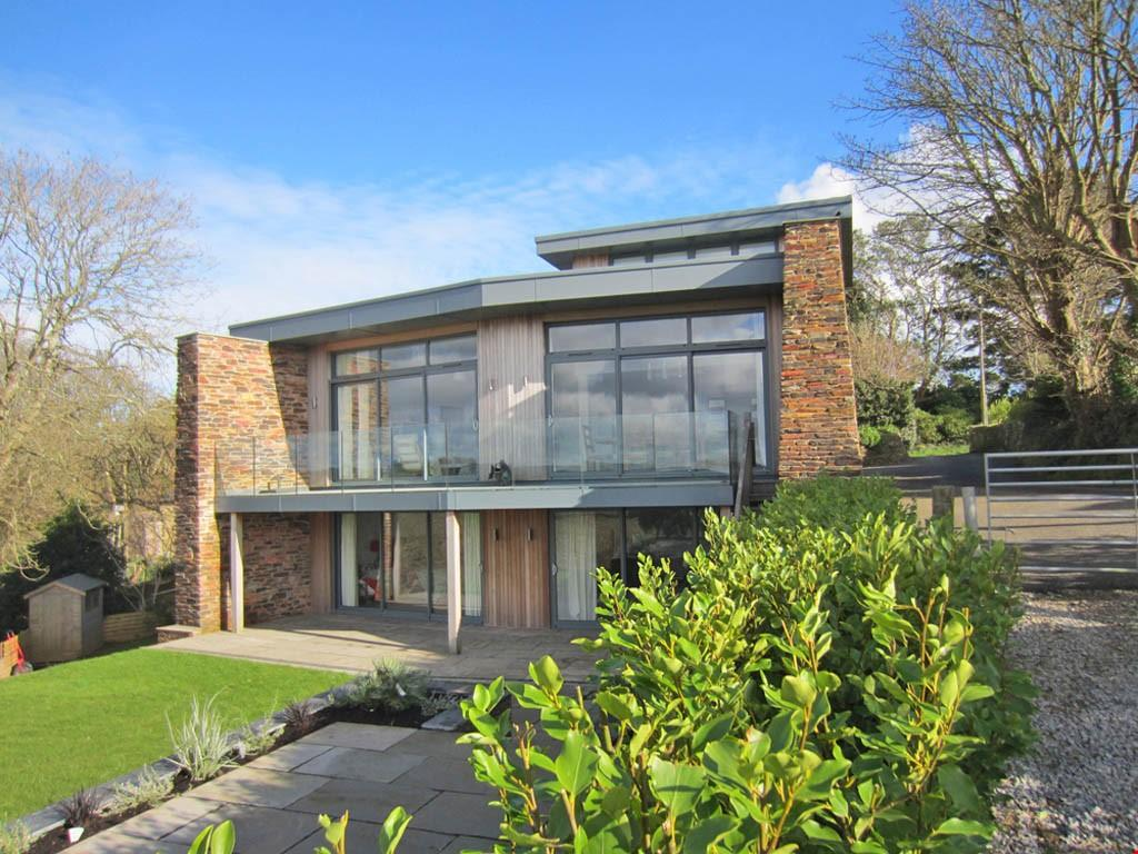 3 Bedrooms Detached House for sale in Mawnan Smith, Nr. Falmouth, Cornwall , TR11