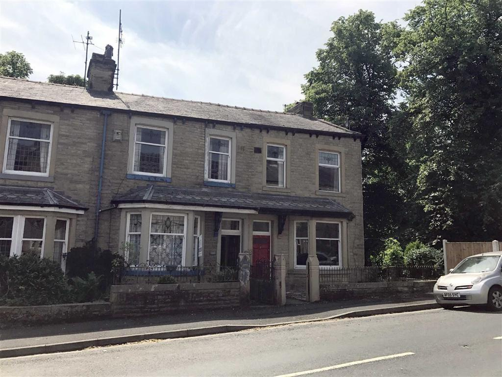 3 Bedrooms Terraced House for sale in Carr Hall Road, Barrowford, Lancashire