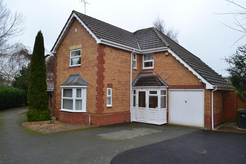 4 Bedrooms Detached House for sale in Oldfields Close, Leominster