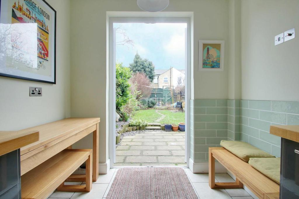 2 Bedrooms Terraced House for sale in Cyprus Road, Cambridge