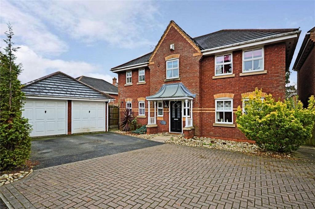 4 Bedrooms Detached House for sale in Sister Dora Avenue, Burntwood, Staffordshire