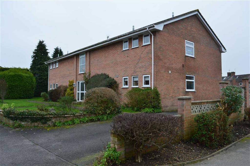 2 Bedrooms Flat for sale in Allen Road, Wimborne, Dorset