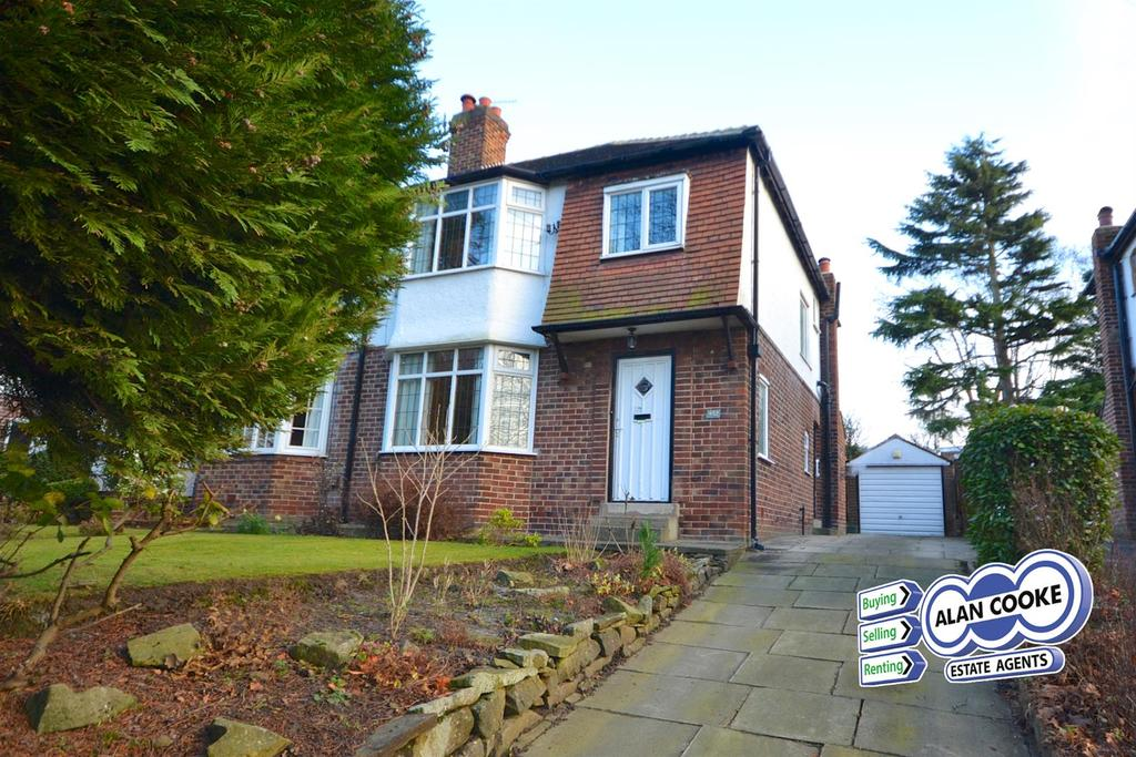 3 Bedrooms Semi Detached House for sale in Scott Hall Road, Moortown