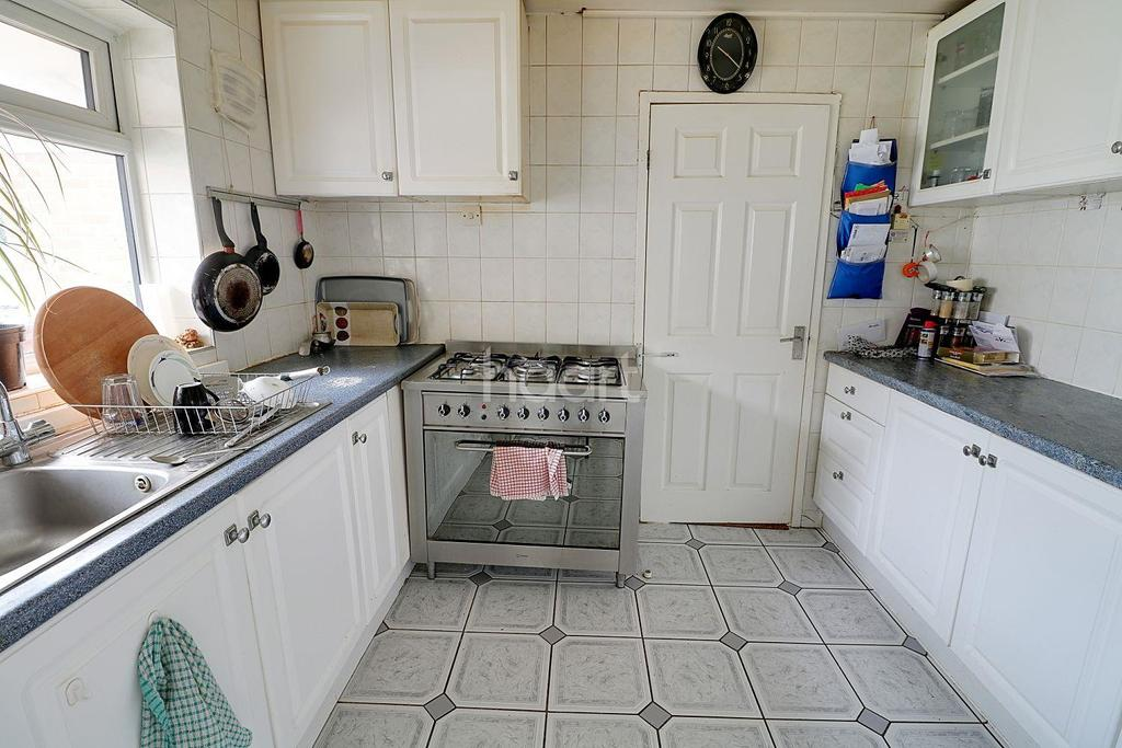4 Bedrooms Semi Detached House for sale in Culley Way