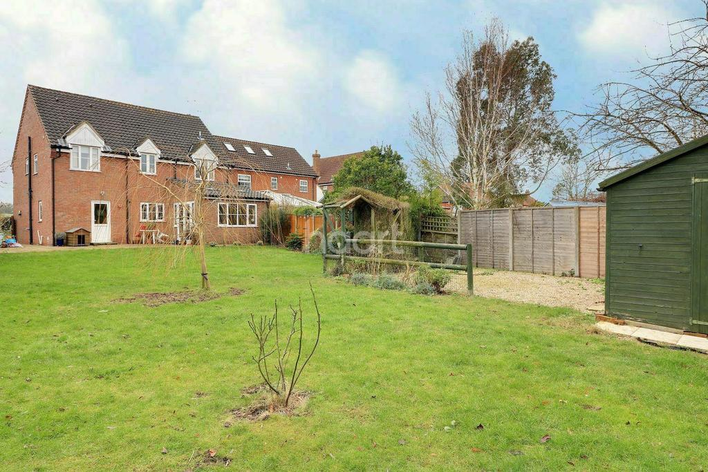 5 Bedrooms Detached House for sale in Bittering Street, Gressenhall