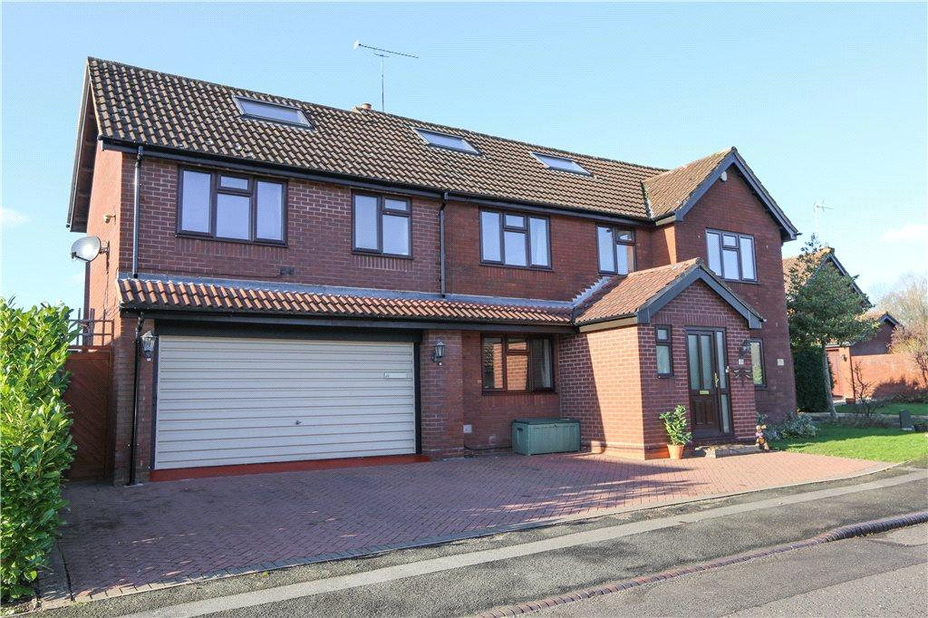 5 Bedrooms Detached House for sale in Eldersfield Close, Redditch, Worcestershire, B98