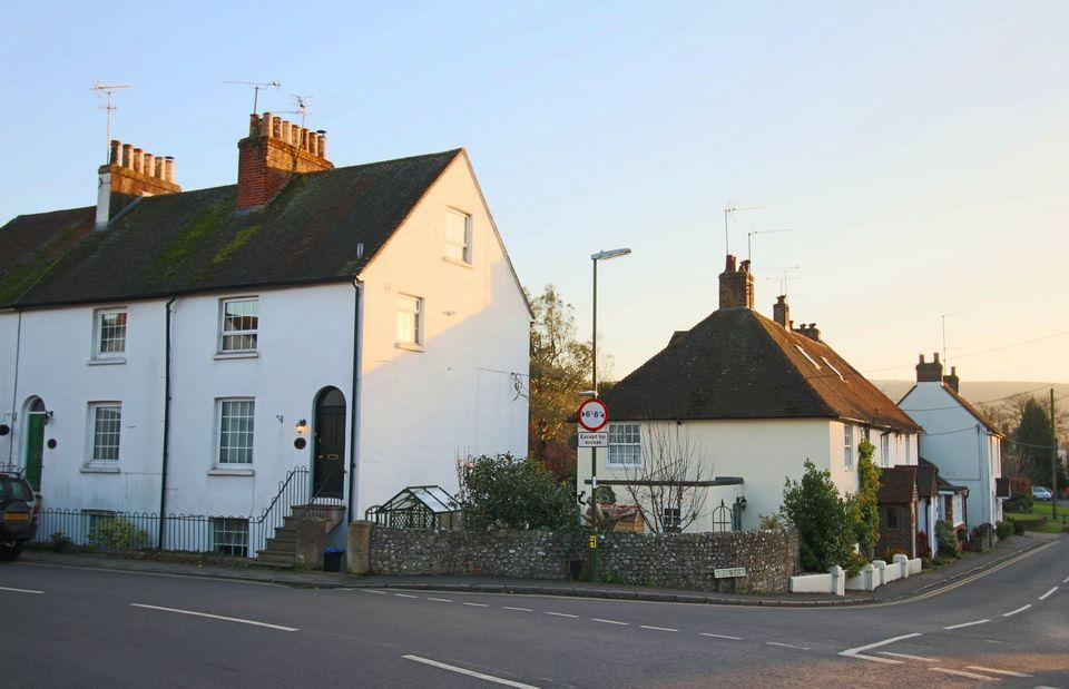3 Bedrooms Semi Detached House for sale in Laurel Cottages, Keymer Road, Keymer, Hassocks, West Sussex, BN6 8QT