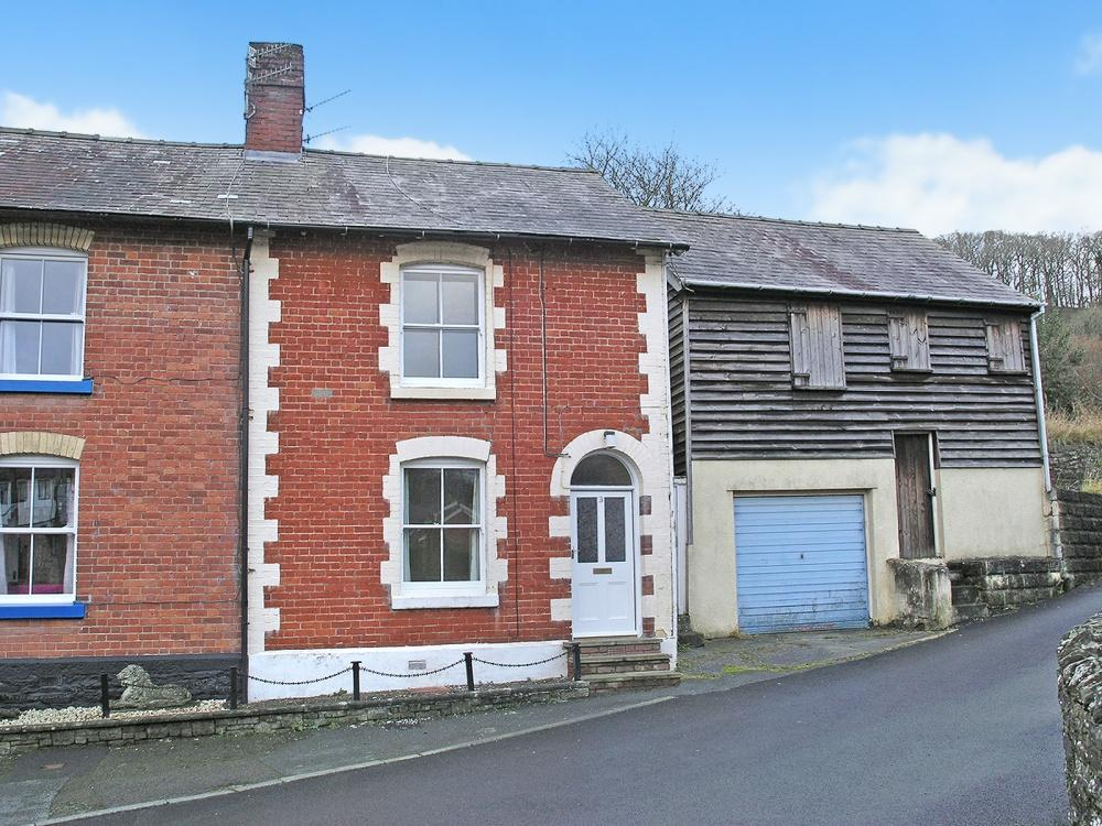 3 Bedrooms Semi Detached House for sale in Knighton, , LD7