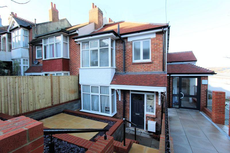 4 Bedrooms Terraced House for sale in Princes Road, Brighton