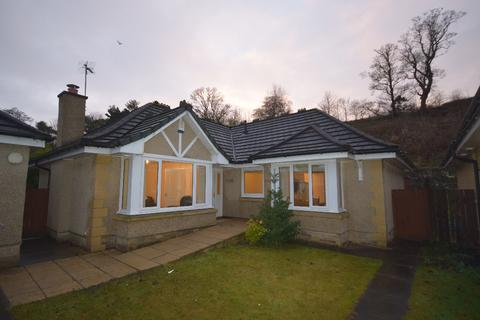 3 bedroom detached bungalow to rent - Sneddon Place , Airth , Stirlingshire, FK2 8GH