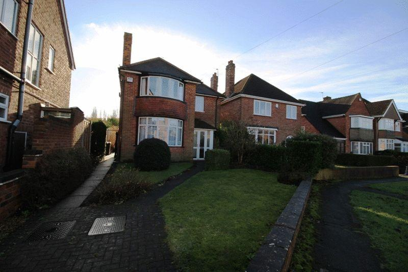 3 Bedrooms Detached House for sale in Rutland Crescent, Bilston