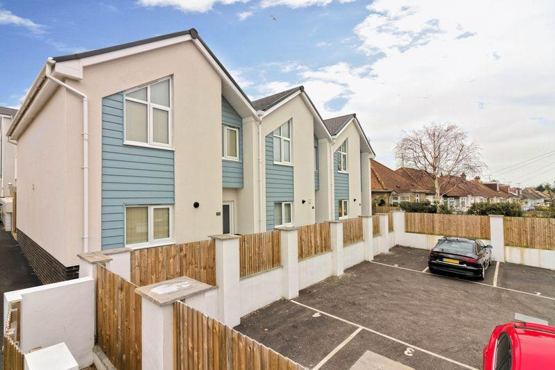 2 Bedrooms End Of Terrace House for sale in Busticle Lane, Lancing