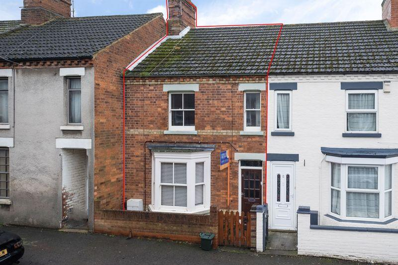 3 Bedrooms Terraced House for rent in Crabb Street, Rushden