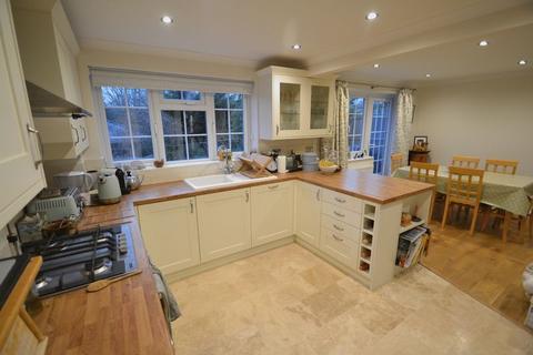 4 bedroom semi-detached house to rent - Homedean Road, Chipstead,Sevenoaks