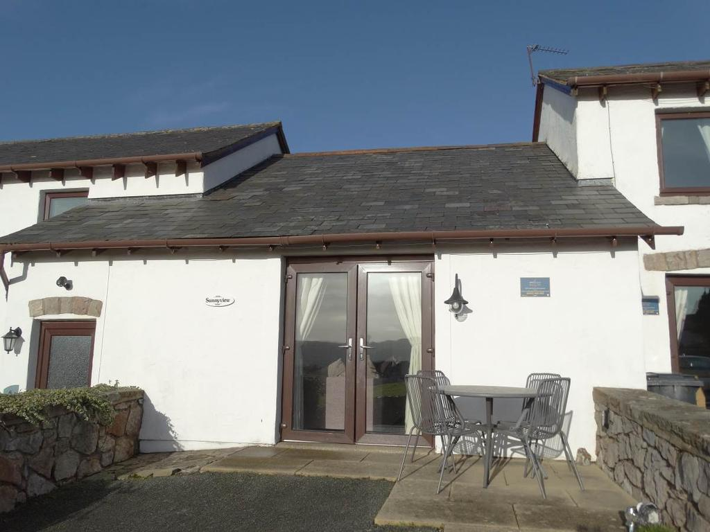 2 Bedrooms Terraced Bungalow for sale in Sunnyview 5 Hwylfa Ddafydd Tan Y Graig Road, Llysfaen, LL29 8TW