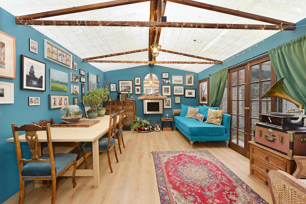 2 Bedrooms Flat for sale in Coopers Lane Estate, Kings Cross, London