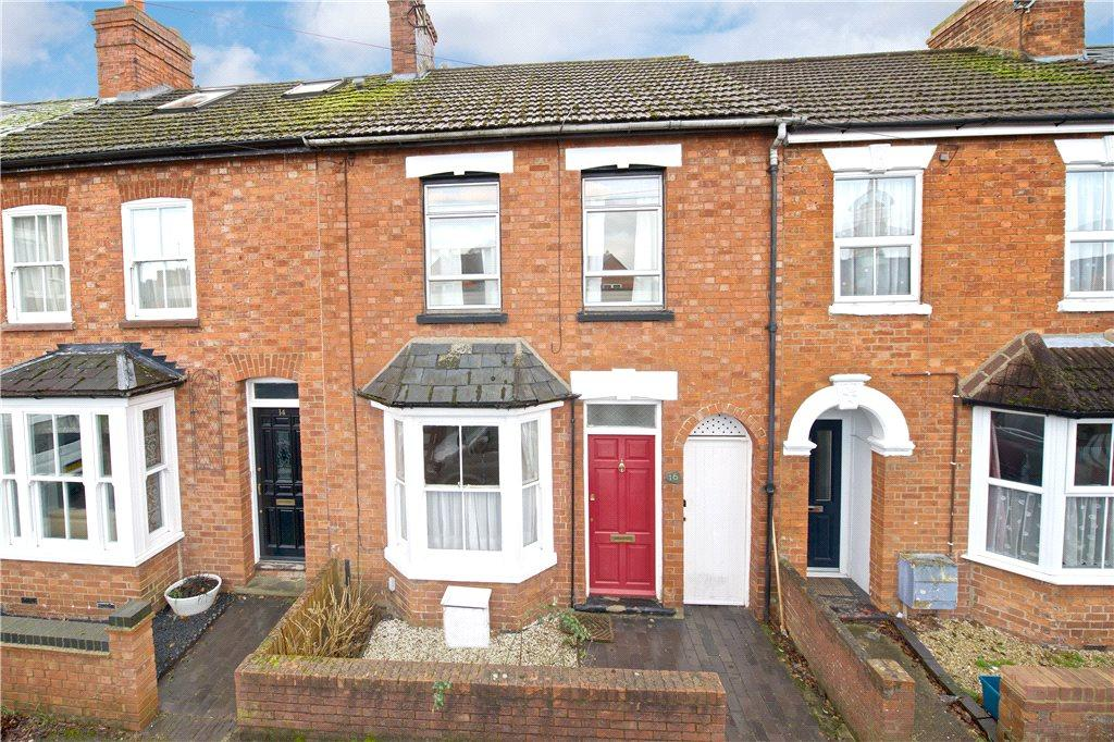 3 Bedrooms Terraced House for rent in Lovat Street, Newport Pagnell, Buckinghamshire