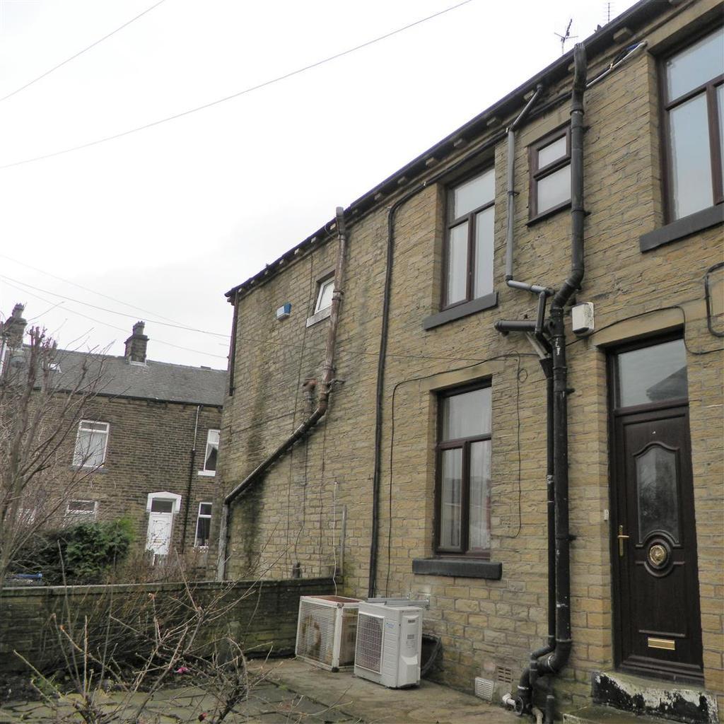 2 Bedrooms Terraced House for sale in Watmough Street, Bradford