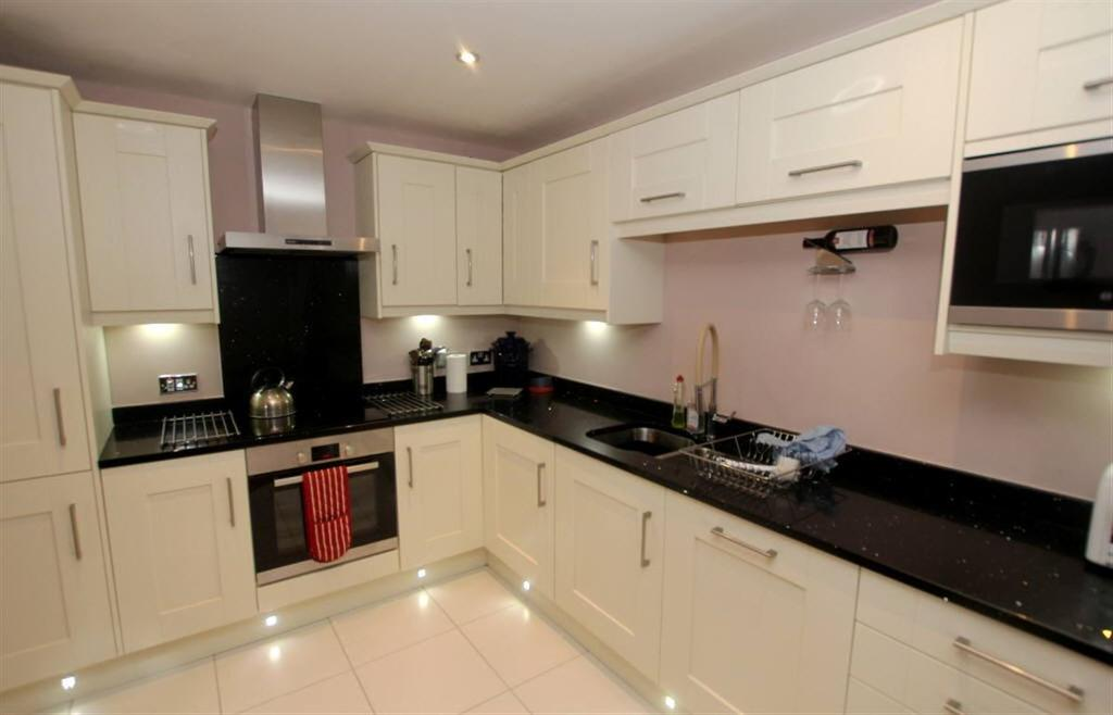 2 Bedrooms Apartment Flat for sale in Christleton Road, Chester