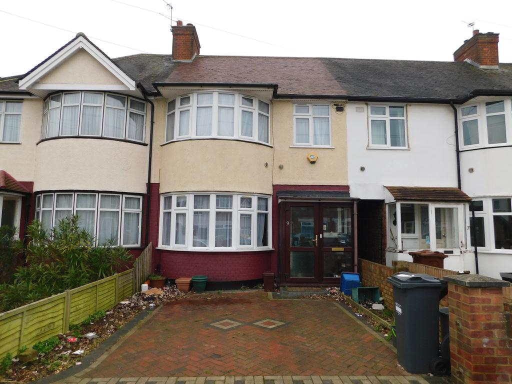 3 Bedrooms Terraced House for sale in Sussex Avenue, Isleworth TW7