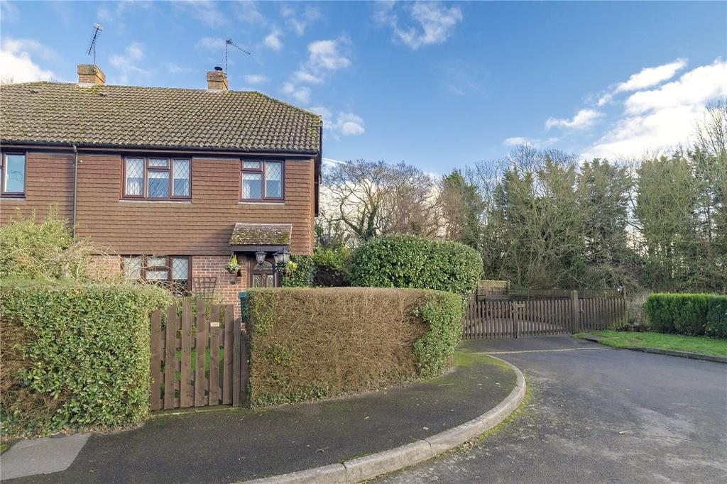 3 Bedrooms Semi Detached House for sale in Clements Close, Binsted, Alton, Hampshire