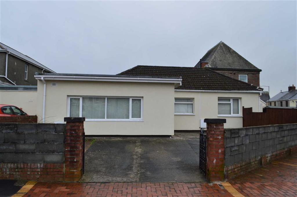 3 Bedrooms Detached Bungalow for sale in Dulais Road, Swansea, SA4