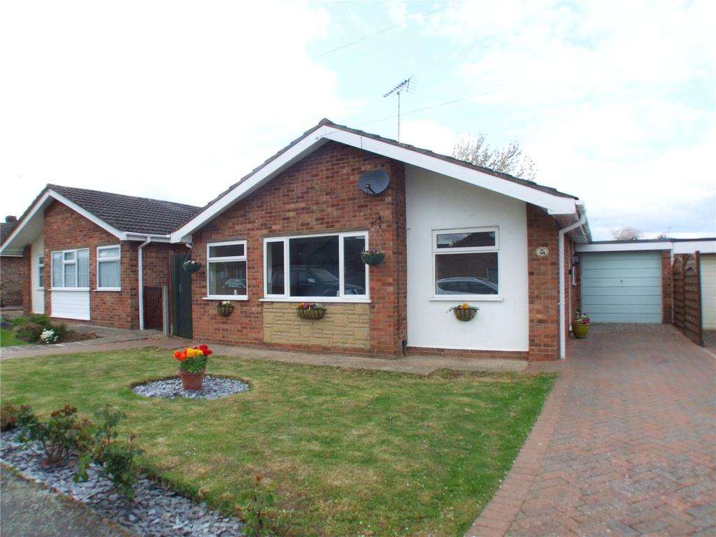 3 Bedrooms Detached Bungalow for sale in Manor Way, Deeping St. James, Peterborough, PE6