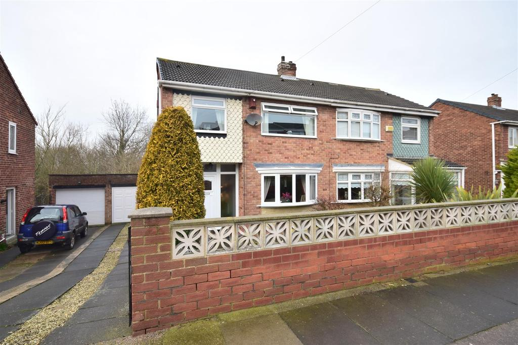 3 Bedrooms Semi Detached House for sale in Greenbank Drive, South Hylton, Sunderland