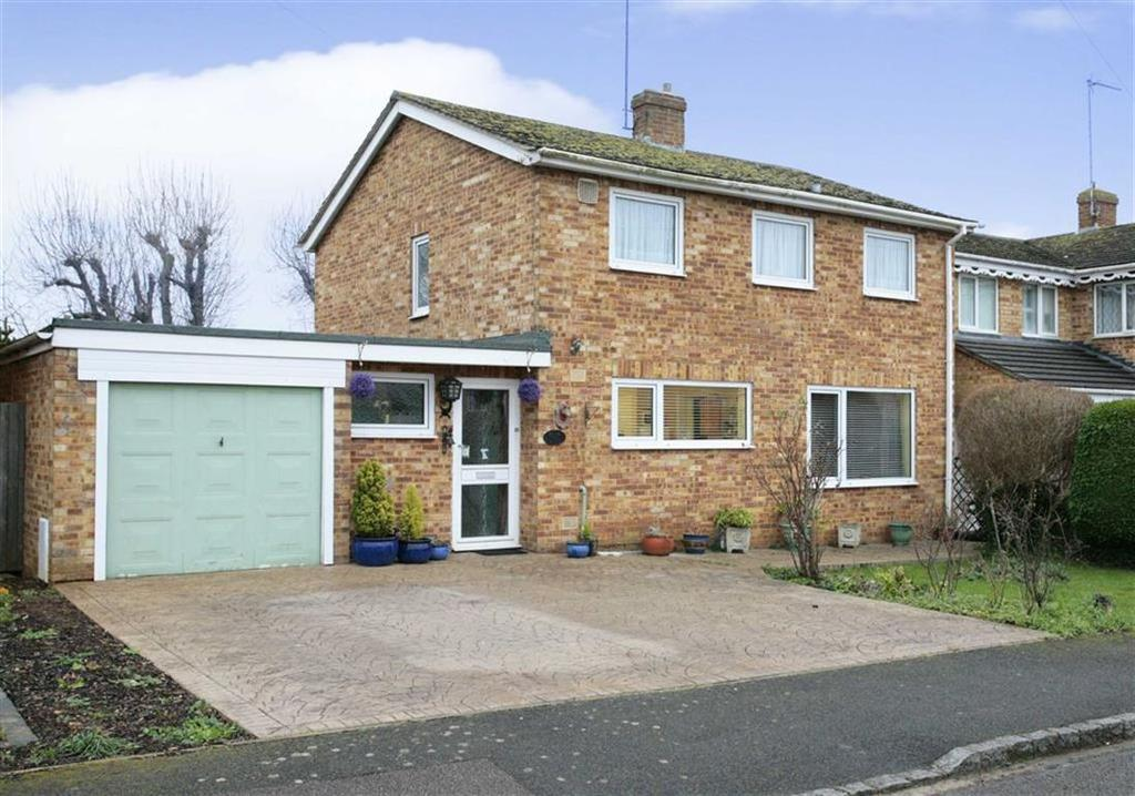 4 Bedrooms Detached House for sale in Walton Avenue, Twyford