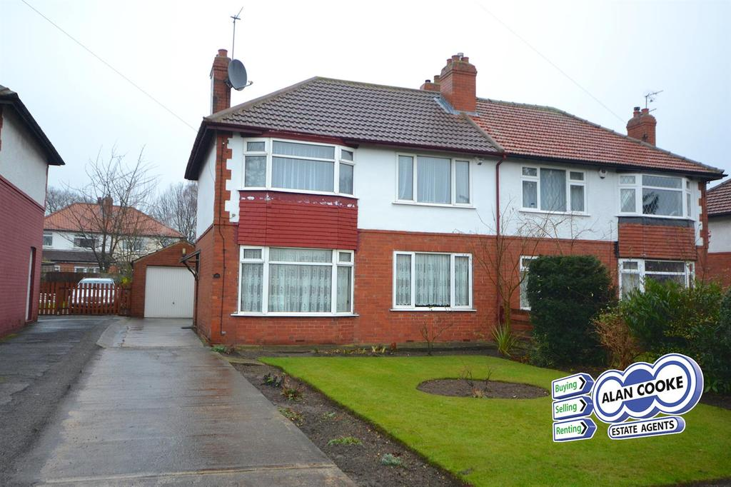 3 Bedrooms Semi Detached House for sale in Stainburn Drive, Moortown