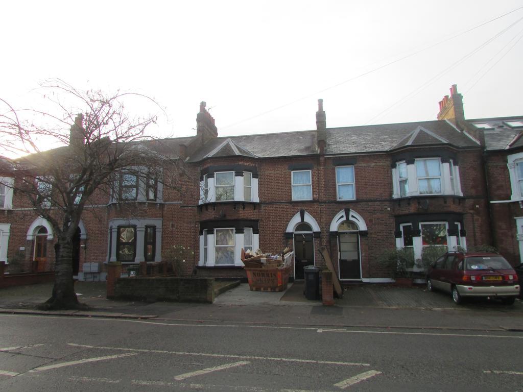 4 Bedrooms Terraced House for rent in Verdant Lane , Catford SE6