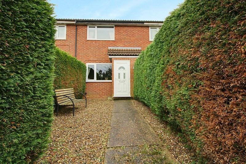 2 Bedrooms Terraced House for sale in Humbletoft Road, Dereham