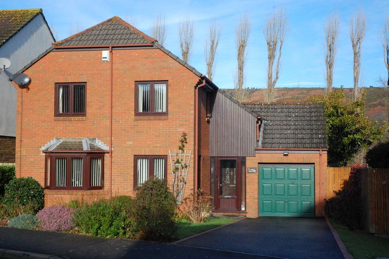 4 Bedrooms Detached House for sale in Minehead TA24