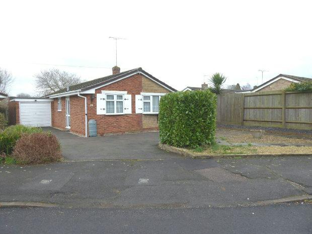 2 Bedrooms Detached Bungalow for sale in Browning Road, Banbury