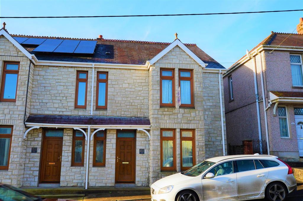 3 Bedrooms Semi Detached House for sale in Heol Y Meinciau, Pontyates, Llanelli