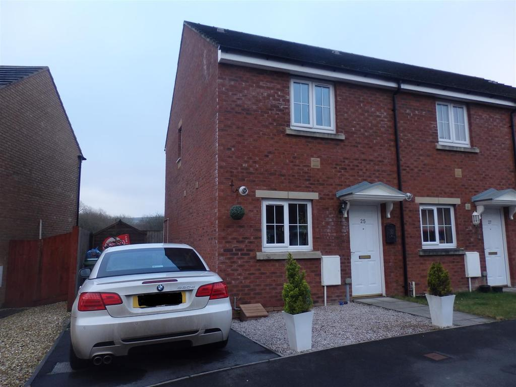 2 Bedrooms Semi Detached House for sale in Rhodfa'r Ceffyl, Carway, Kidwelly