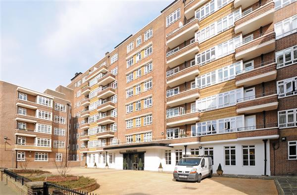 2 Bedrooms Flat for sale in PORTSEA HALL, MARBLE ARCH, W2