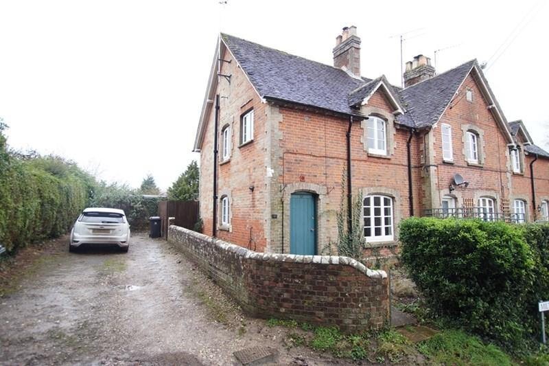 3 Bedrooms End Of Terrace House for sale in Durweston, Blandford Forum
