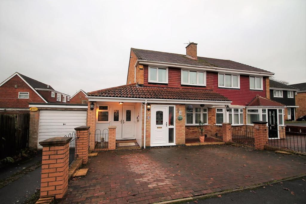 3 Bedrooms Semi Detached House for sale in Tovil Close, Stockton-On-Tees