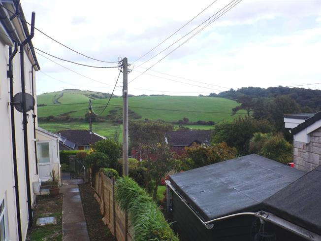 2 Bedrooms Ground Flat for rent in New Road, Brading, Isle Of Wight, PO36