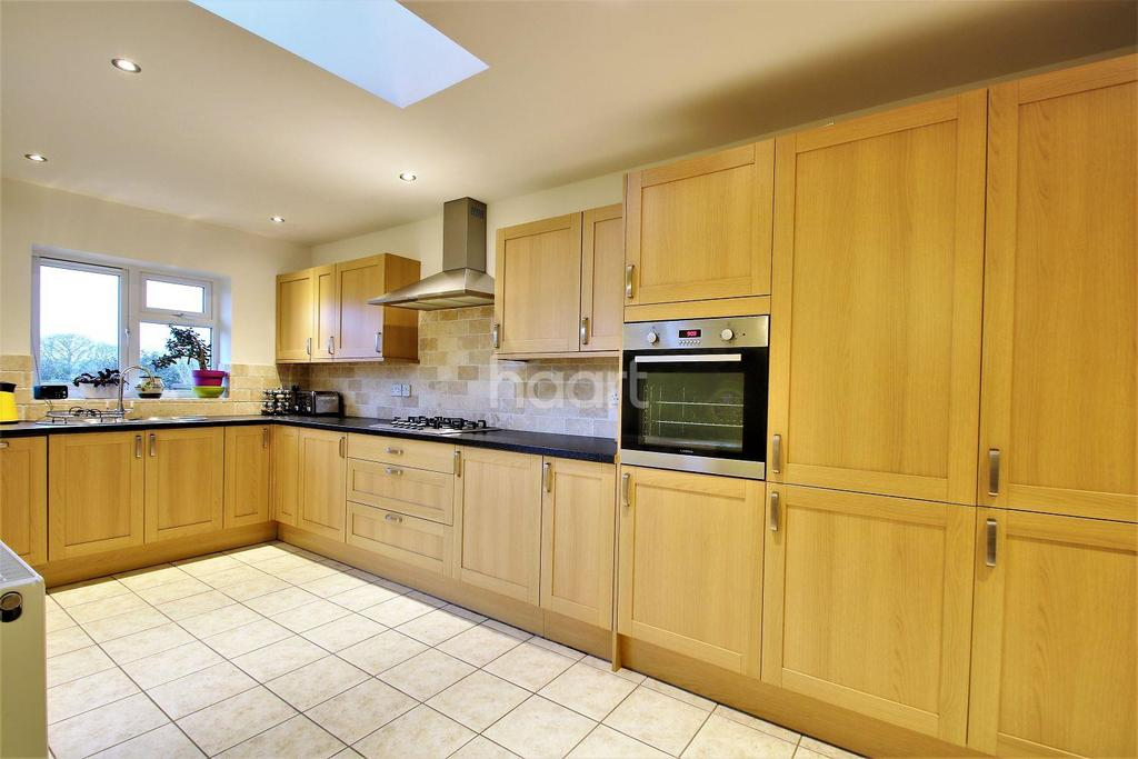 2 Bedrooms Bungalow for sale in Holland-on-Sea
