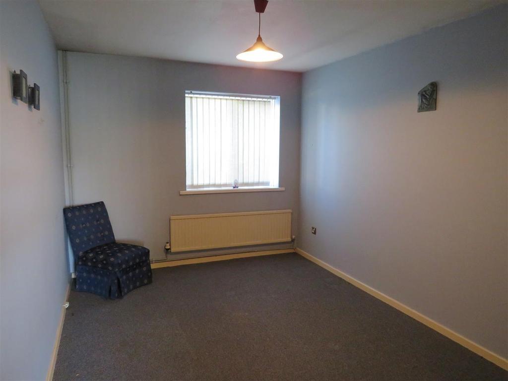 Bed Room Apartment In Llanelli