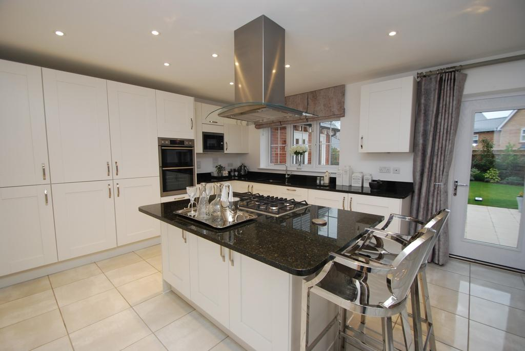 5 Bedrooms Detached House for sale in Little Waltham, Chelmsford, Essex, CM3