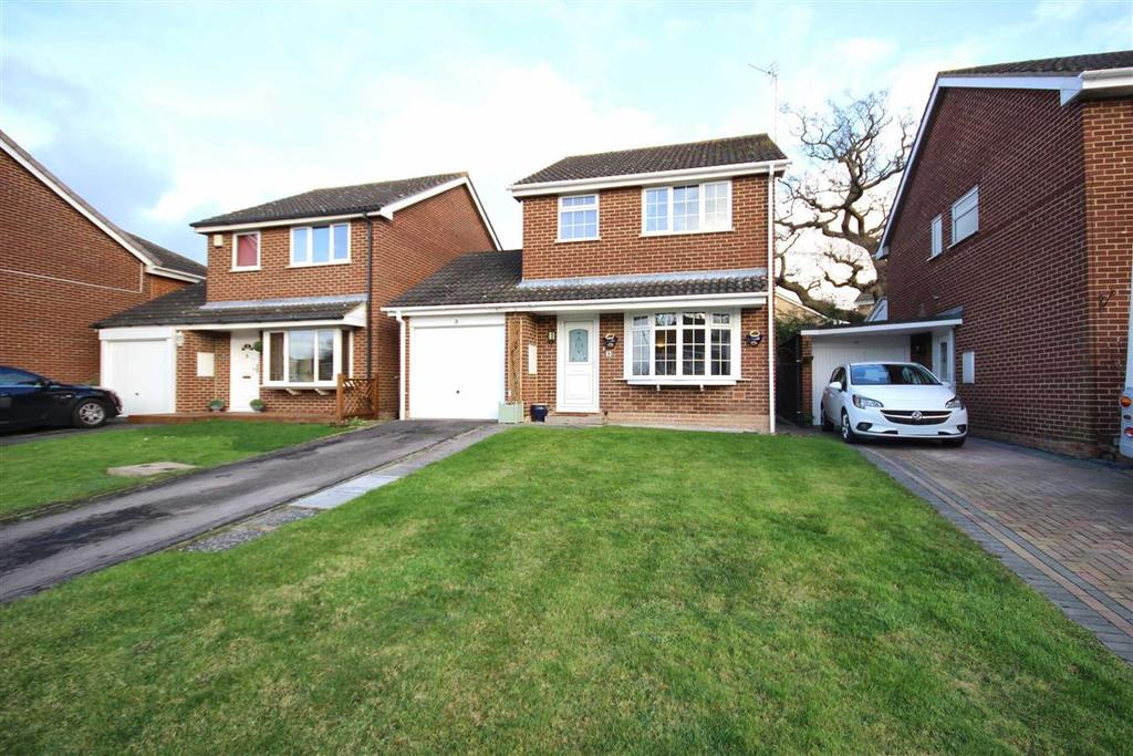 3 Bedrooms Detached House for sale in Darwin Close, Golden Valley, Cheltenham, GL51