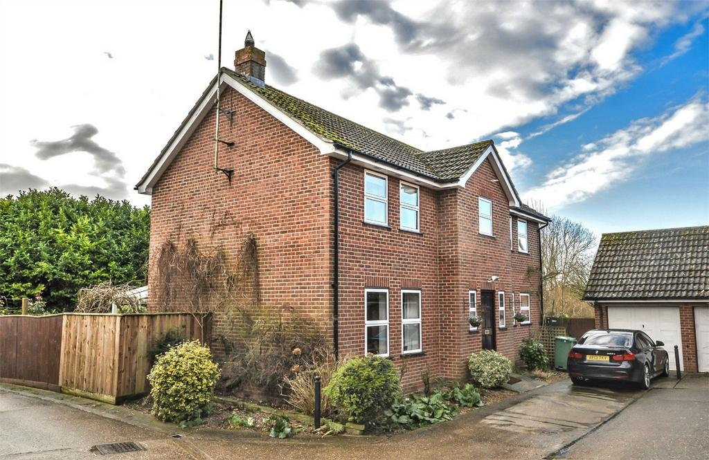 4 Bedrooms Detached House for sale in 2 Limefields, Little Walden Road, Saffron Walden