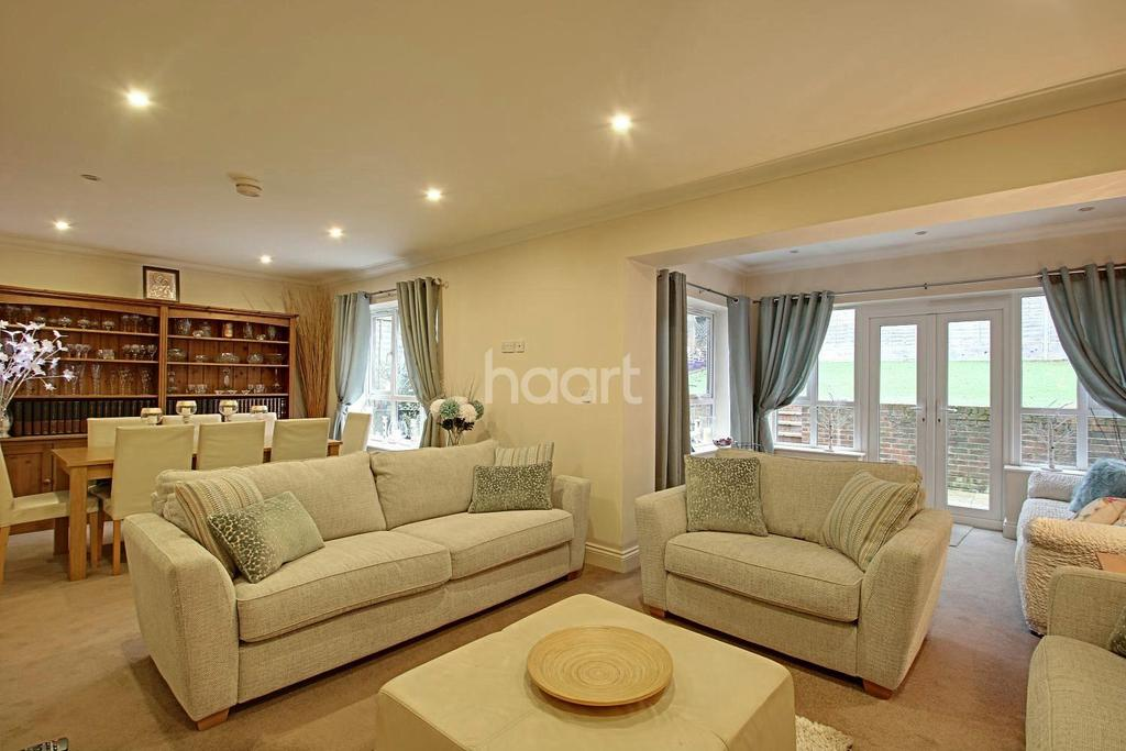 5 Bedrooms Detached House for sale in Sunningvale Avenue, Biggin Hill