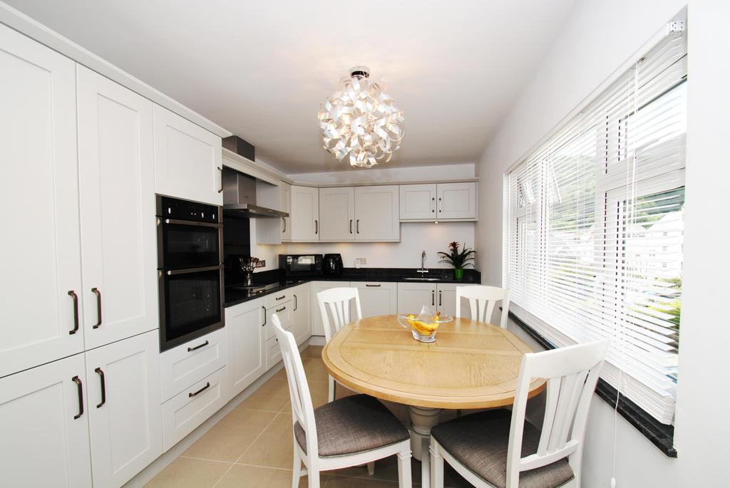 3 Bedrooms Semi Detached House for sale in Lee Road, Lynton