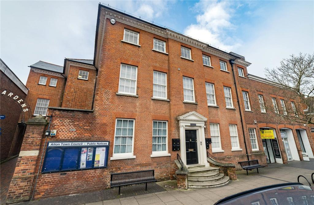 2 Bedrooms Flat for sale in Westbrooke House, 76 High Street, Alton, Hampshire